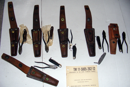 Signal Corps Wiremans Tool Equipment TE-33, Knife TL-29, Pliers TL-13,  Signal Corps Leather  Pouch CS-34 wire splicing kit pliers